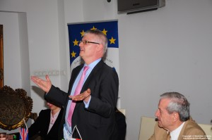 HE Ambasador Robin Barnett na spotkaniu w Europejskim Klubie Biznesu Polska