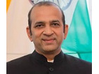 Jego Ekscelencja Ambasador Indii Pana Ajay Bisaria.