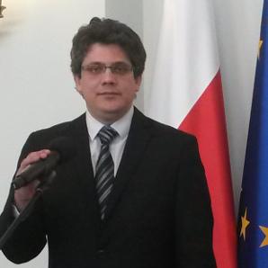 Łukasz Grzelec p.o. dyrektora Biura Prasowego EKB Polska.