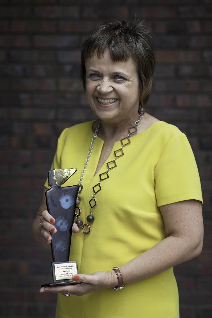 Żaneta Berus z nagrodą Businesswoman Roku 2014.